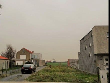 Building land<span>407</span>m² for rent