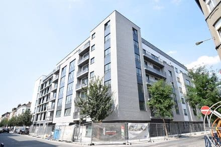 Office or business<span>127</span>m² for rent Anderlecht