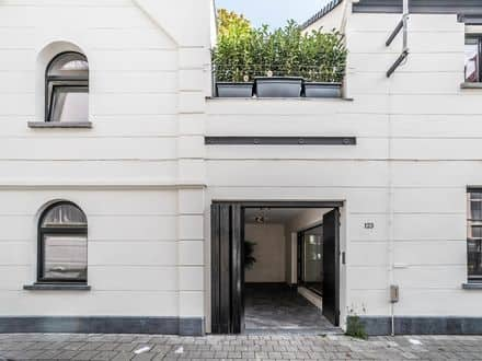 House<span>282</span>m² for rent Antwerp