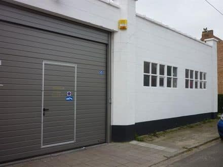 Warehouse<span>70</span>m² for rent Lot