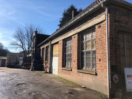 Warehouse<span>305</span>m² for rent Flenu
