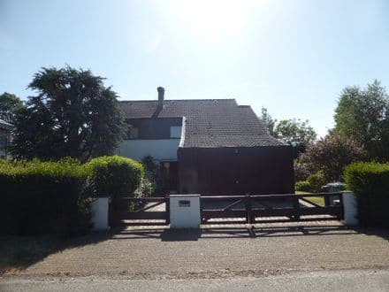 House<span>254</span>m² for rent