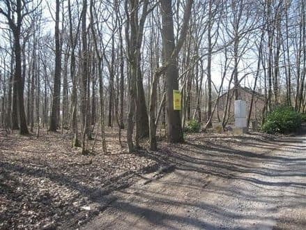 Land<span>1411</span>m² for rent Philippeville