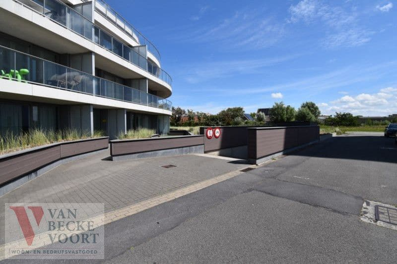 Parking space or garage for sale in Bredene