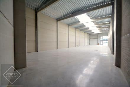 Industrial building<span>443</span>m² for rent Ieper