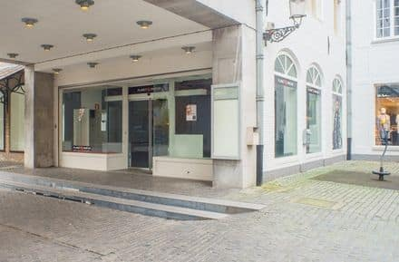Business<span>190</span>m² for rent Brugge