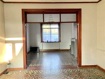 House<span>160</span>m² for rent Kain