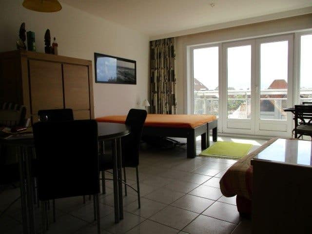 Studio flat for sale in Westende