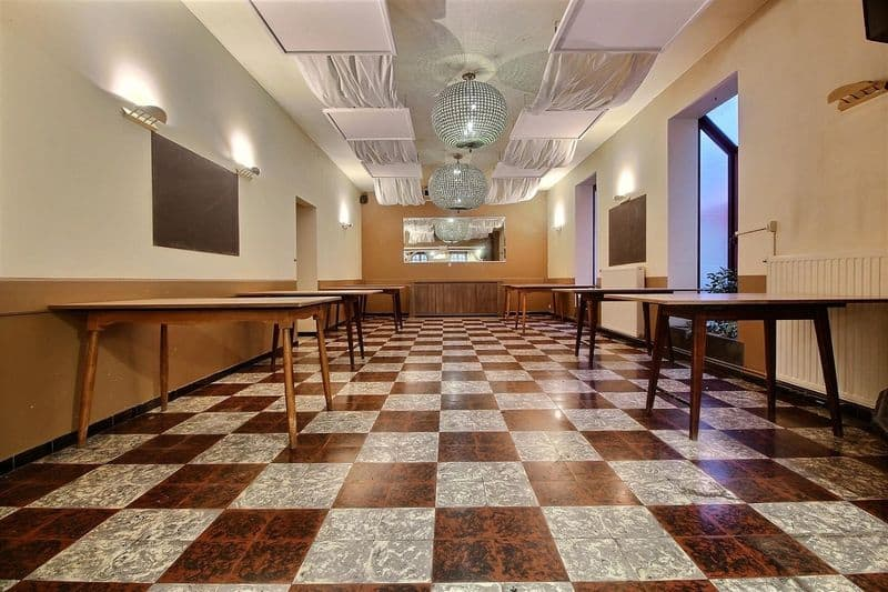 Office or business for rent in Templeuve