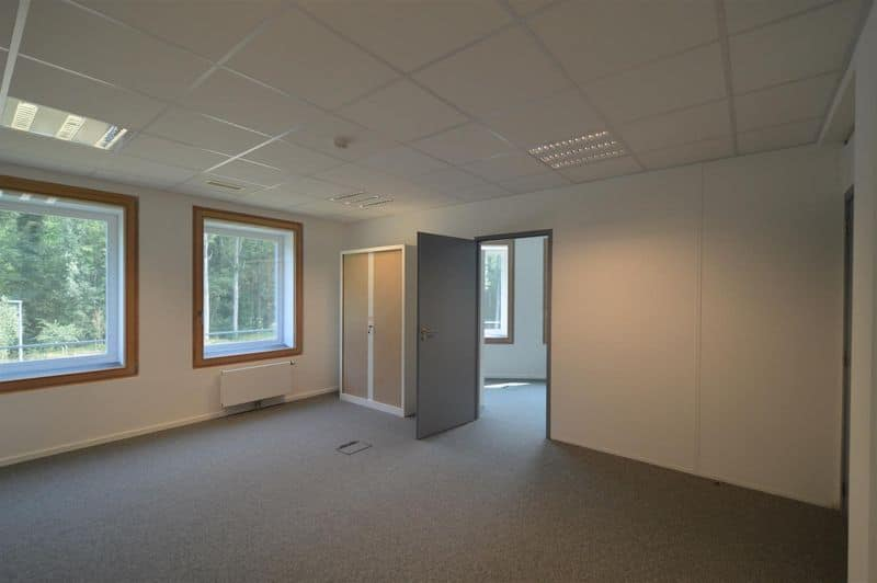 Office or business for rent in Genval