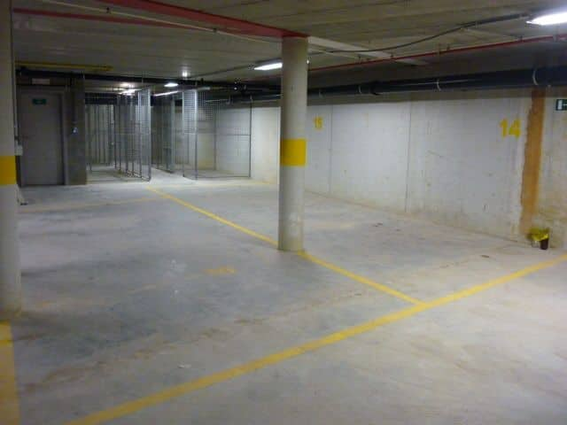 Parking space or garage for rent in Lier