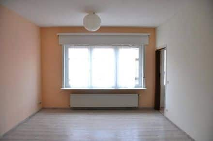 Ground floor flat<span>77</span>m² for rent