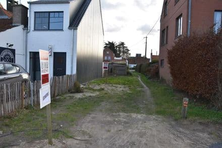 Building land<span>152</span>m² for rent