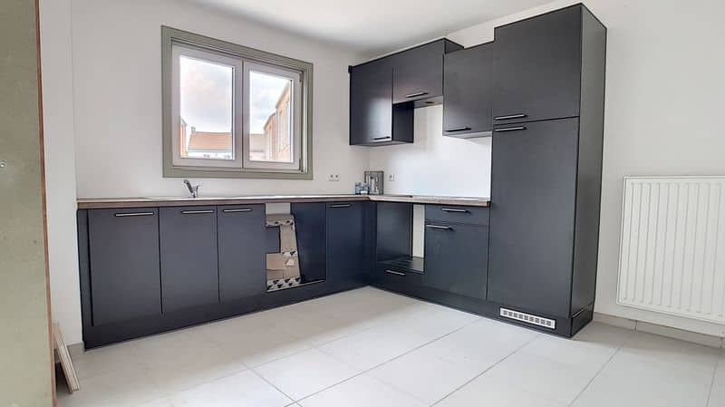 Ground floor flat for sale in Forchies La Marche