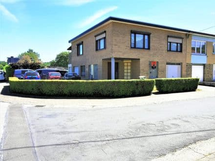 House<span>237</span>m² for rent