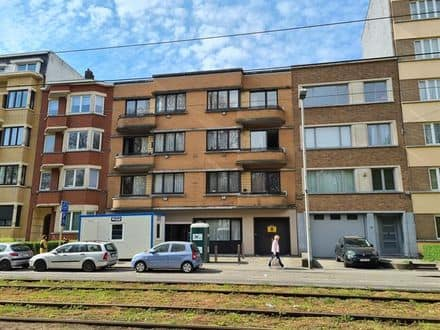 House<span>1000</span>m² for rent