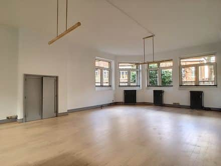 Office<span>120</span>m² for rent