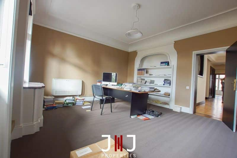Office or business for rent in Sint Lambrechts Woluwe