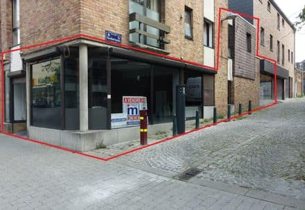 Shop<span>210</span>m² for rent