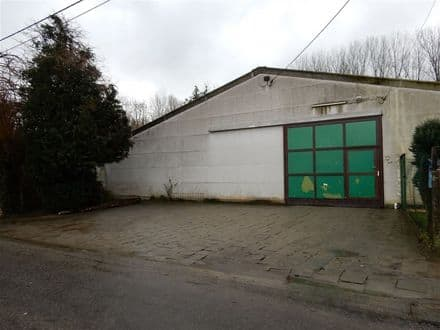 Warehouse<span>140</span>m² for rent