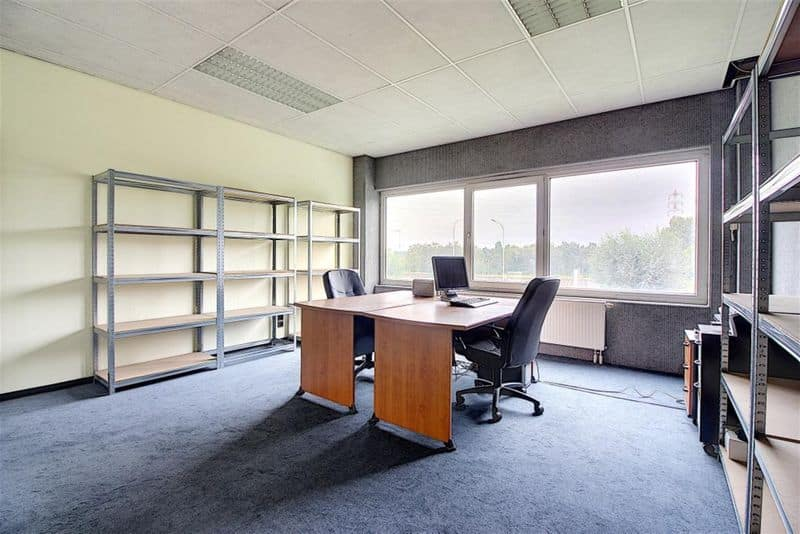 Office or business for rent in Orcq
