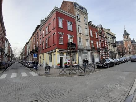 Investment property<span>220</span>m² for rent Anderlecht