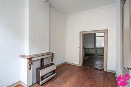 House<span>216</span>m² for rent