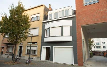 House<span>210</span>m² for rent Ostend