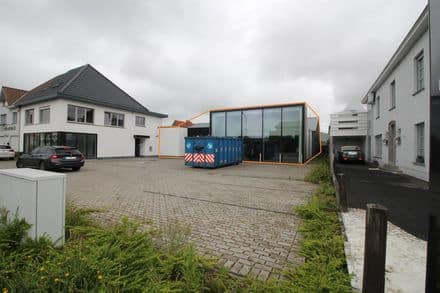 Office or business<span>781</span>m² for rent Deinze