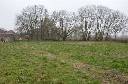Land<span>1300</span>m² for rent Villers Le Peuplier