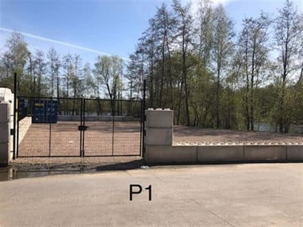 Parking space or garage for rent Tertre