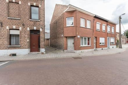 House<span>143</span>m² for rent