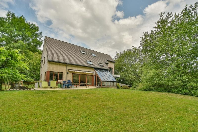 Villa for sale in Dion Valmont