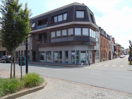 Office or business for rent Knesselare