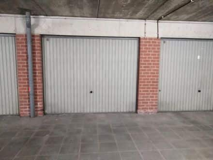 Parking space or garage for rent La Louviere