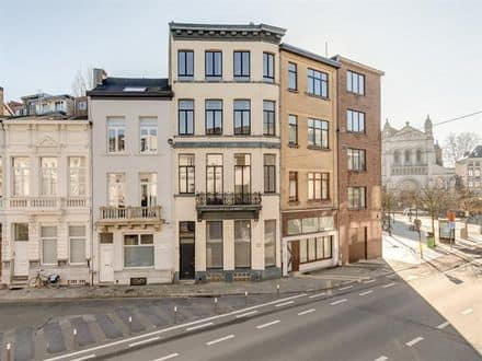House<span>225</span>m² for rent Antwerp
