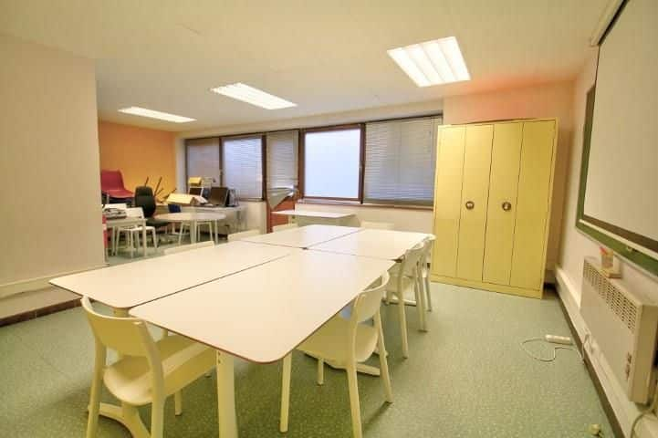 Office or business for rent in Liege