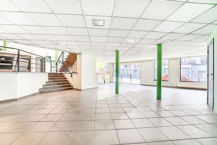 Shop<span>774</span>m² for rent