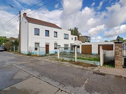 House<span>175</span>m² for rent Ramillies