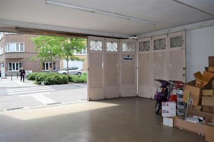 Warehouse<span>350</span>m² for rent