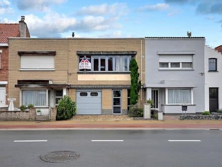 House<span>207</span>m² for rent