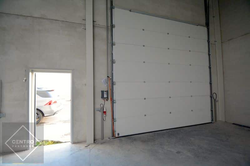 Industrial building for rent in Houthulst