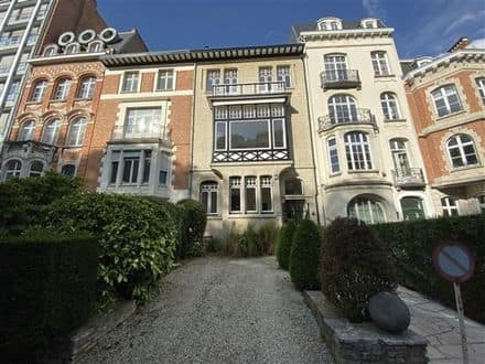 House<span>469</span>m² for rent
