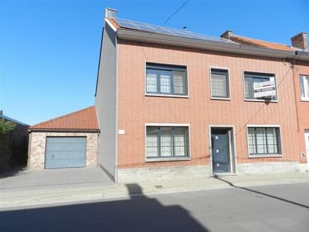 House<span>306</span>m² for rent