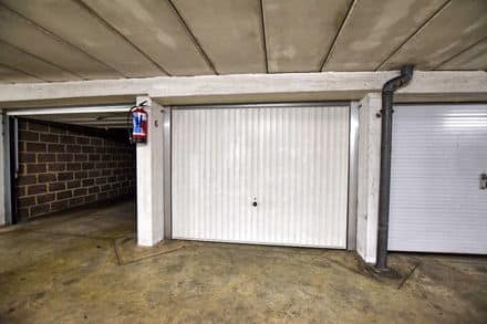 Parking space or garage<span>17</span>m² for rent Laken