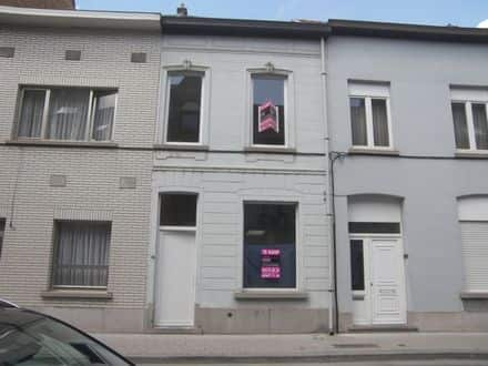 House<span>173</span>m² for rent
