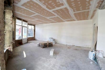 Business<span>104</span>m² for rent