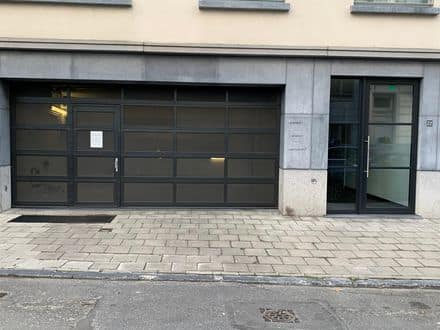 Parking space or garage for rent Elsene
