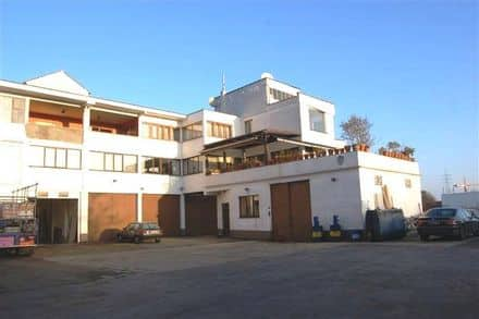 Industrial building<span>700</span>m² for rent