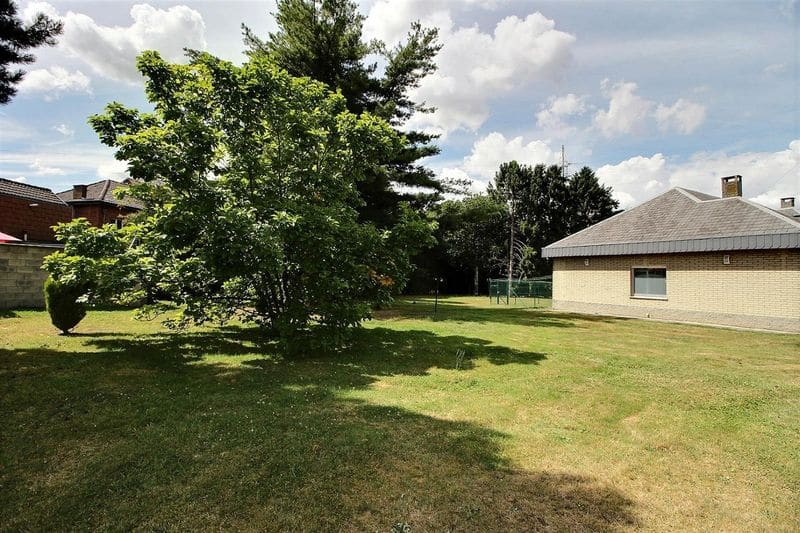 House for sale in Gilly